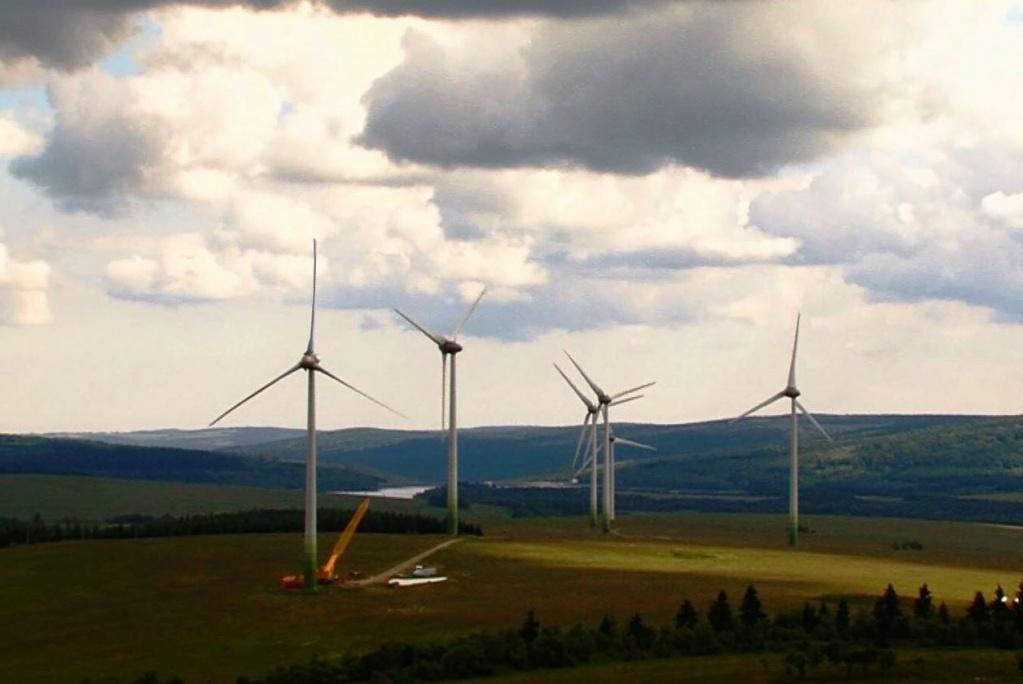 Opravy a montáže větrných elektráren